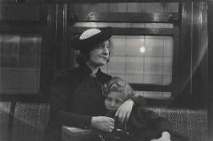 pasajeros-del-metro-nueva-york-1938-c2a9walker-evans-archive-the-metropolitan