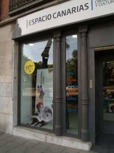 escaparate-del-espacio-canarias-en-madrid-logopress