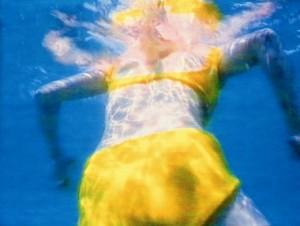 Schürle meinen Ozean 1996. Instalación de audio y video de Pipilotti Rist fotograma. Cortesía de la artista y Hauser Wirth. Fundació Joan Miró 300x226 Pipilotti Rist en la Fundació Joan Miró