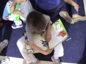 Niños, lectura, infantil. LOGOPRESS pe