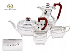 2. Juego de café y té de plata lisa firmado MAPPIN & WEBB 1971.Joyas - Suttons & Robertsons