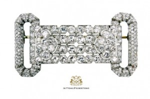 7. Importante broche Art-déco formado por diamantes talla brillante antigua con un peso aprox. de 12ct. Joyas - Suttons & Robertsons