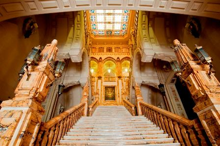 Escalera monumental del CGA