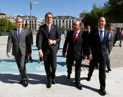 foto inaug Jardines de Pereda en plza Alfonso XIII Santander