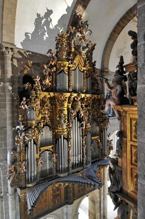 Órgano Catedral de Santiago. Fotografía_Miguel Castaño. Catedral de Santiago. - copia