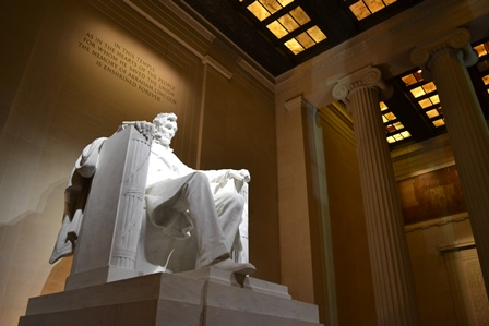 abraham-lincoln-memorial-inside-national-mall-washington-dc