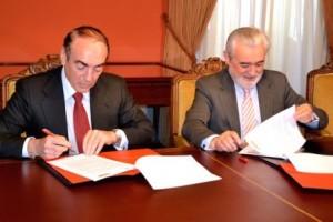 Firma convenio RAE Banco Santander, Villasante y Villanueva