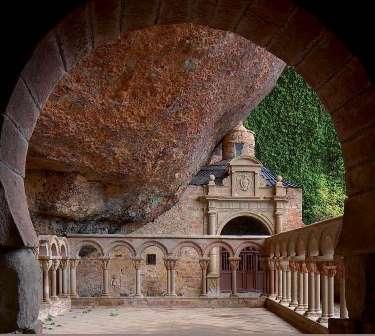 Los  monasterios medievales en sus emplazamiento_portada