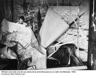 WIFREDO LAM en su estudio de Abissola