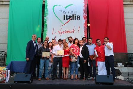 entrega de placas hospitalidad italiana
