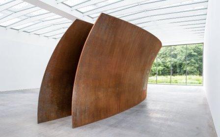 53099_fullimage_museumvoorlinden-richardserra-openended-antoinevankaam_560x350