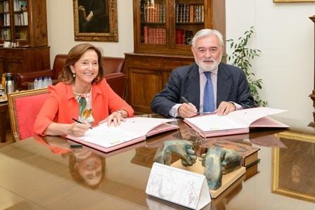 Ana Santos y presidente RAE